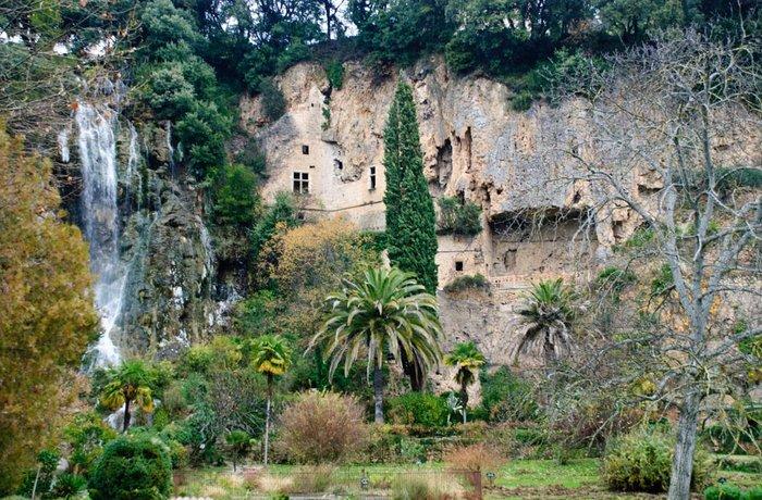 de grotten van Villecroze